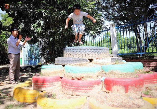 Người thầy 11 năm gieo chữ, mang lại nụ cười cho trẻ khiếm khuyết và tự kỷ ở Đà Nẵng - Ảnh 10.