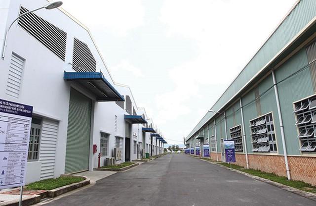 Làn sóng đầu tư vào bất động sản khu công nghiệp - Ảnh 2.