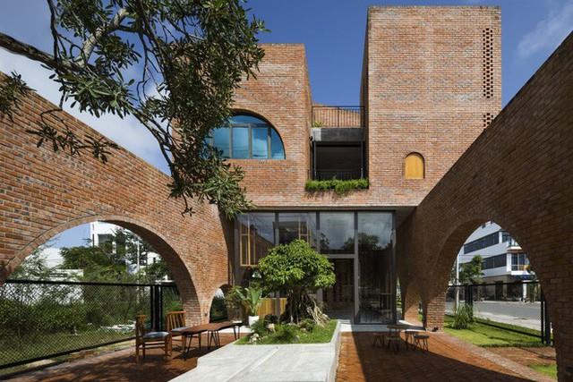 Độc đáo căn nhà gạch như tổ chim đậu trên cành cây tại Đà Nẵng - Ảnh 11.