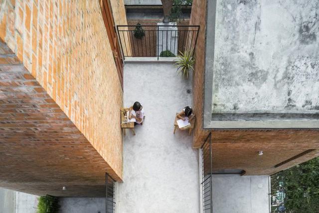 Độc đáo căn nhà gạch như tổ chim đậu trên cành cây tại Đà Nẵng - Ảnh 10.