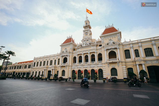 Sài Gòn bình yên lạ thường, đường phố vắng bóng phương tiện trong những ngày nghỉ lễ 30/4 - 1/5 - Ảnh 2.