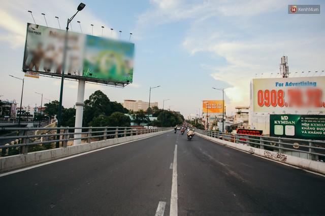 Sài Gòn bình yên lạ thường, đường phố vắng bóng phương tiện trong những ngày nghỉ lễ 30/4 - 1/5 - Ảnh 19.