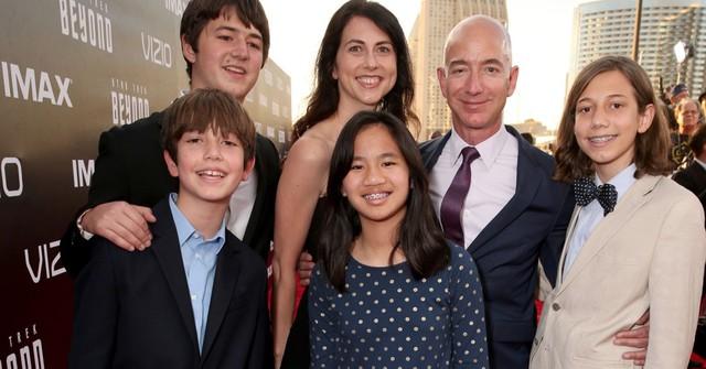 Ai cũng chú ý khối tài sản khổng lồ của Jeff Bezos hậu ly hôn nhưng đây mới là điều đáng để học hỏi nhất: Nếu đã hết duyên, hãy làm điều tử tế này vì nhau! - Ảnh 4.