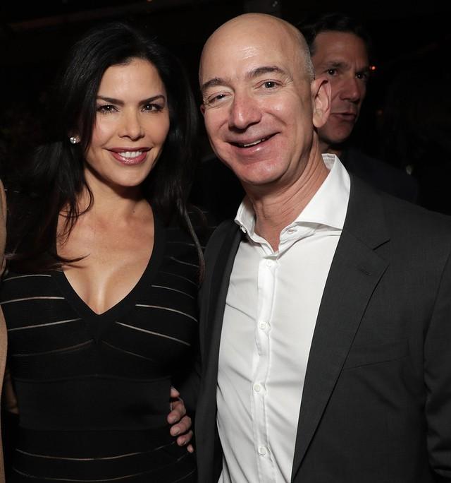 Ai cũng chú ý khối tài sản khổng lồ của Jeff Bezos hậu ly hôn nhưng đây mới là điều đáng để học hỏi nhất: Nếu đã hết duyên, hãy làm điều tử tế này vì nhau! - Ảnh 2.