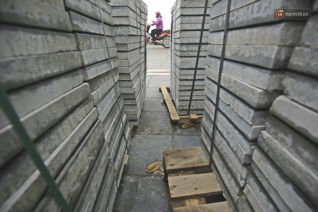 Hơn 100 tuyến phố tại Hà Nội đang được lát gạch bê tông vân đá - Ảnh 2.