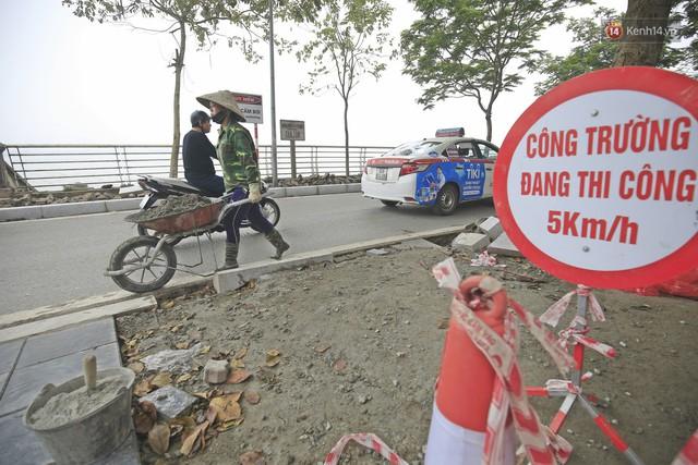Hơn 100 tuyến phố tại Hà Nội đang được lát gạch bê tông vân đá - Ảnh 4.