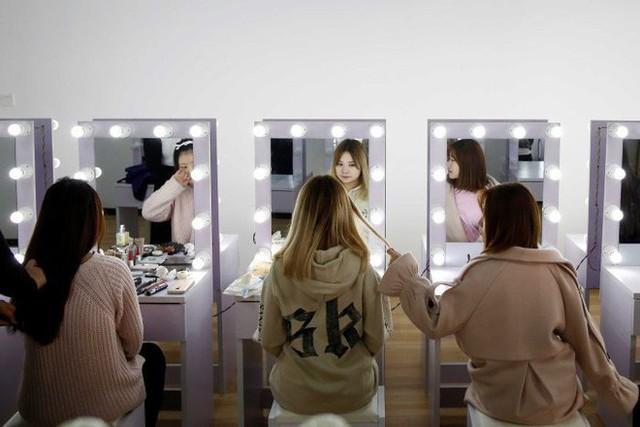 Live-Streaming ở Trung Quốc: Ngành kinh doanh tỷ đô đang bùng nổ mạnh mẽ, thu hút hàng triệu bạn trẻ muốn làm giàu - Ảnh 7.
