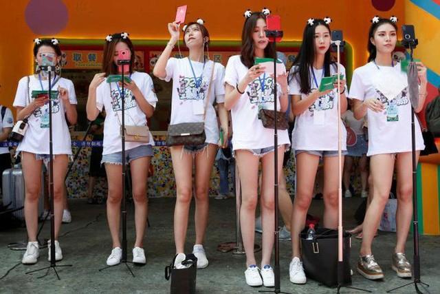 Live-Streaming ở Trung Quốc: Ngành kinh doanh tỷ đô đang bùng nổ mạnh mẽ, thu hút hàng triệu bạn trẻ muốn làm giàu - Ảnh 8.