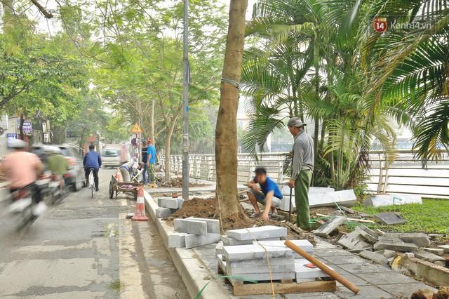 Hơn 100 tuyến phố tại Hà Nội đang được lát gạch bê tông vân đá - Ảnh 9.