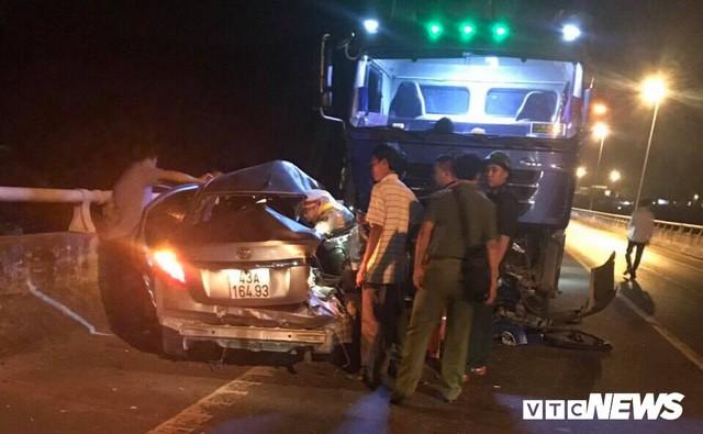 Tai nạn thảm khốc gần cửa hầm Hải Vân, 5 người thương vong - Ảnh 1.