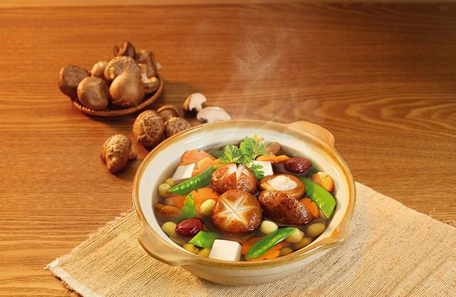 Nấm hương tươi và khô, loại nào bổ dưỡng hơn: Chuyên gia dinh dưỡng giải đáp bất ngờ - Ảnh 3.