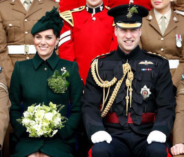 Xem phản ứng của công chúng trước nghi vấn Hoàng tử William ngoại tình sau lưng vợ mới thấy cặp đôi hoàng gia này ăn đứt vợ chồng Meghan như thế nào - Ảnh 1.
