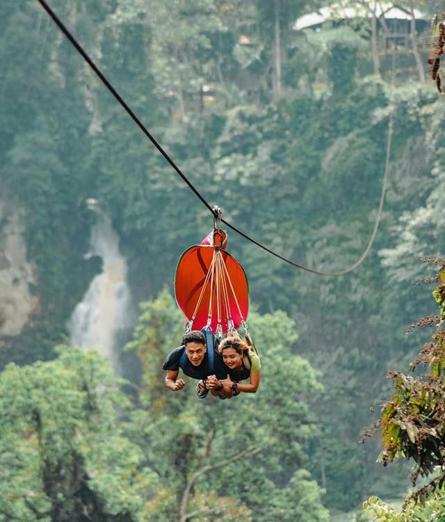 """Dân mạng """"rùng mình"""" với trải nghiệm treo người lửng lơ vượt các con thác cao nhất châu Á, liệu bạn có dám thử? - Ảnh 1."""