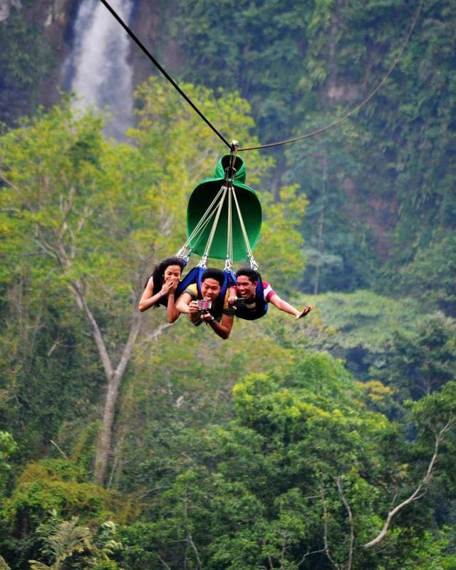 """Dân mạng """"rùng mình"""" với trải nghiệm treo người lửng lơ vượt các con thác cao nhất châu Á, liệu bạn có dám thử? - Ảnh 11."""
