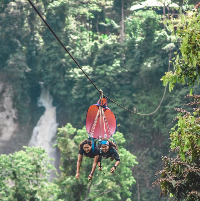 """Dân mạng """"rùng mình"""" với trải nghiệm treo người lửng lơ vượt các con thác cao nhất châu Á, liệu bạn có dám thử? - Ảnh 3."""