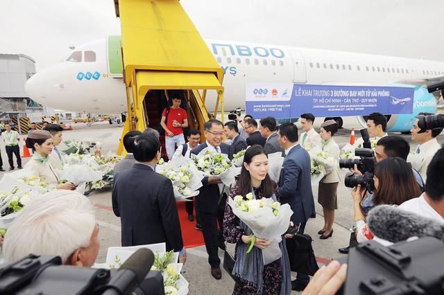 Thủ tướng Chính phủ cắt băng khai trương 3 đường bay từ Hải Phòng của Bamboo Airways - Ảnh 2.