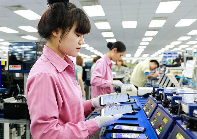 Qui mô thị trường điện thoại Việt trước đề xuất thuế tiêu thụ đặc biệt - Ảnh 1.