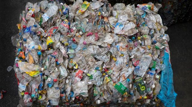 Giải quyết khủng hoảng rác nhựa bằng cách... chế ra một loại nhựa khác: Tại sao ý tưởng IQ vô cực này được đánh giá cực cao? - Ảnh 1.