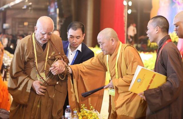 Thủ tướng: Suy nghiệm lời Phật dạy để kiến tạo xã hội tốt đẹp hơn  - Ảnh 14.