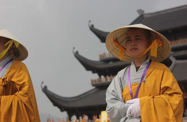 Thủ tướng: Suy nghiệm lời Phật dạy để kiến tạo xã hội tốt đẹp hơn  - Ảnh 16.