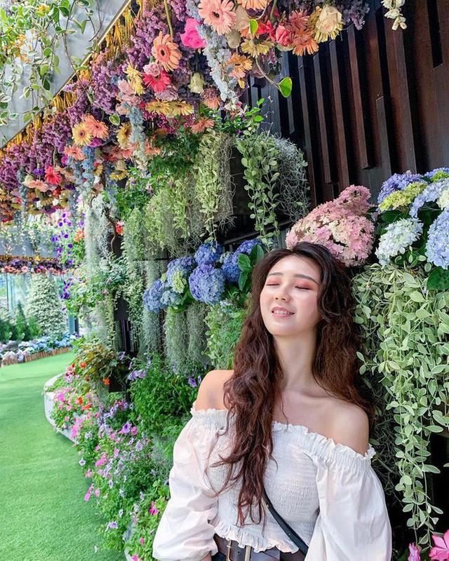 """Sau Jewel Changi, Singapore lại có thêm """"kỳ quan"""" vườn hoa treo khổng lồ khiến dân tình phải ngước lên """"mỏi cả cổ"""" để ngắm nhìn - Ảnh 25."""