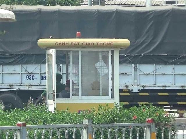 Điều tra: Xe tải tung hoành vào giờ cấm trước chốt CSGT - Ảnh 2.