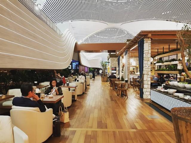"""Trầm trồ trước sân bay """"chịu chơi"""" nhất thế giới khi đầu tư hẳn cả phòng chờ sang chảnh chẳng kém khách sạn 5 sao - Ảnh 16."""