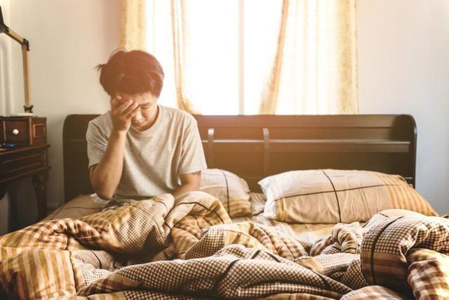 Nếu còn tiếp tục 10 thói quen sai lầm này, đừng hỏi vì sao trí nhớ bạn ngày càng tệ, thậm chí não còn bị tàn phá nghiêm trọng - Ảnh 2.
