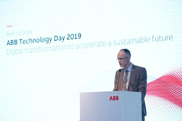 Phó Đại sứ Thụy Sĩ: Lấy con người làm trung tâm cho chiến lược chuyển đổi số - Ảnh 1.