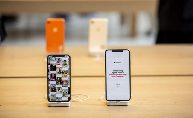 Apple đứng giữa ngã 3 đường vì căng thẳng Mỹ - Trung: giờ phải tăng giá iPhone hay hy sinh lợi nhuận? - Ảnh 1.