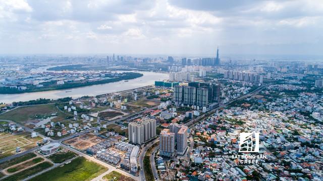 Khu vực nào đang dồi dào nguồn cung căn hộ trong bối cảnh thị trường BĐS TPHCM khan dự án mới? - Ảnh 1.