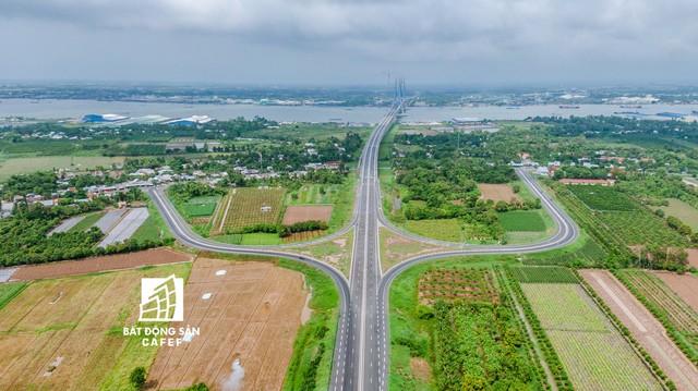 Toàn cảnh cây cầu dây văng dài nhất Vùng Đồng bằng Sông Cửu Long 5.700 tỷ đồng sẽ được thông xe ngày 19/5 - Ảnh 10.