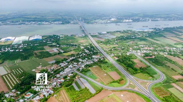 Toàn cảnh cây cầu dây văng dài nhất Vùng Đồng bằng Sông Cửu Long 5.700 tỷ đồng sẽ được thông xe ngày 19/5 - Ảnh 11.