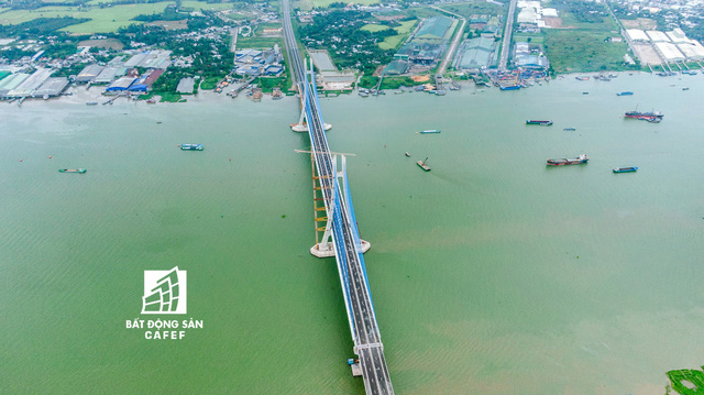 Toàn cảnh cây cầu dây văng dài nhất Vùng Đồng bằng Sông Cửu Long 5.700 tỷ đồng sẽ được thông xe ngày 19/5 - Ảnh 7.