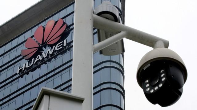 Huawei phản pháo gay gắt khi bị Mỹ cấm cửa - Ảnh 1.
