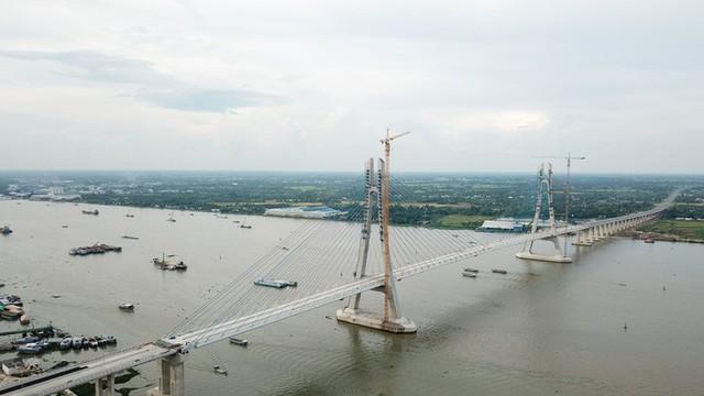Cầu Vàm Cống bắc qua sông Hậu chính thức được khánh thành  - Ảnh 17.
