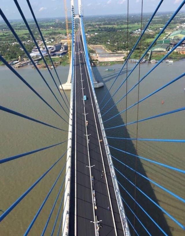 Cầu Vàm Cống bắc qua sông Hậu chính thức được khánh thành  - Ảnh 18.