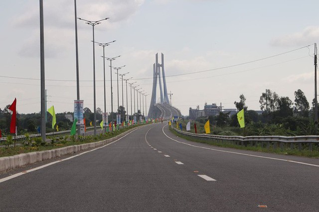 Cầu Vàm Cống bắc qua sông Hậu chính thức được khánh thành  - Ảnh 22.