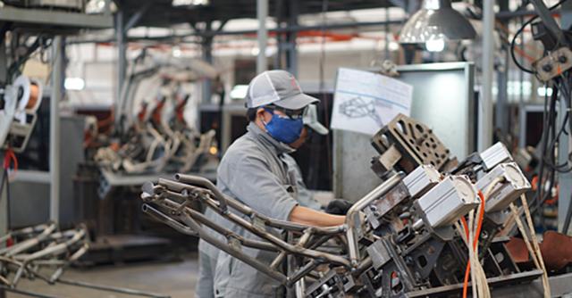 BĐS công nghiệp: Nhiều tập đoàn nước ngoài chuyển nhà máy từ Trung Quốc sang Việt Nam - Ảnh 1.