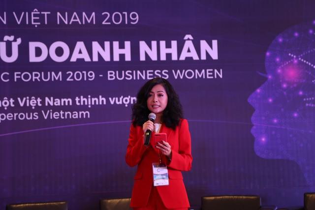 Con gái Dr Thanh: Tôi tự hào vì mình là phụ nữ, được mặc đầm xinh đẹp và tỏa sáng ở nơi có rất nhiều nam giới - Ảnh 1.