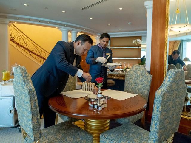 10 điều ít biết về khách sạn xa xỉ bậc nhất thế giới ở Dubai - Ảnh 1.