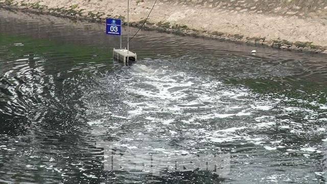 Sau 4 ngày thử nghiệm bảo bối của Nhật, sông Tô Lịch đã bớt mùi - Ảnh 12.