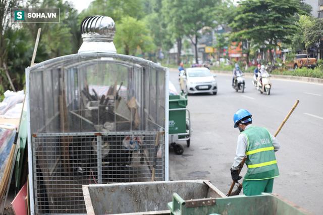 """""""Nhà chờ"""" dành riêng cho xe rác xuất hiện trên nhiều tuyến phố Hà Nội - Ảnh 2."""