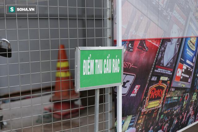 """""""Nhà chờ"""" dành riêng cho xe rác xuất hiện trên nhiều tuyến phố Hà Nội - Ảnh 4."""