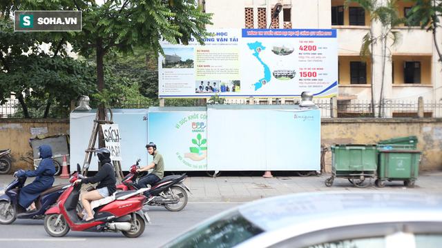 """""""Nhà chờ"""" dành riêng cho xe rác xuất hiện trên nhiều tuyến phố Hà Nội - Ảnh 8."""