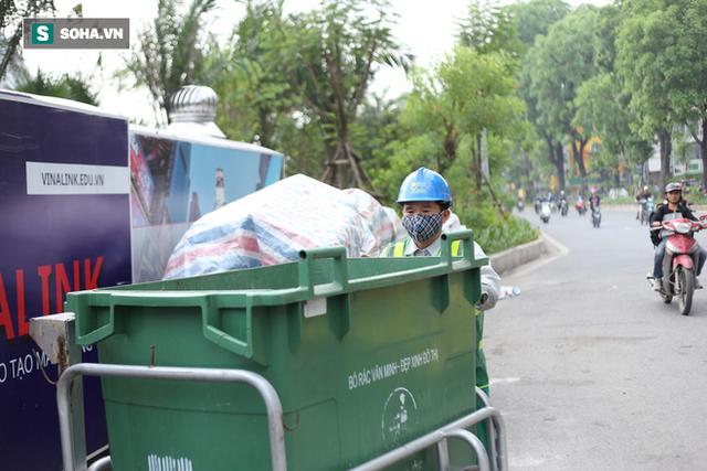 """""""Nhà chờ"""" dành riêng cho xe rác xuất hiện trên nhiều tuyến phố Hà Nội - Ảnh 9."""