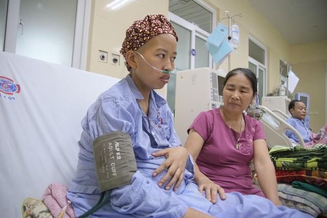 Mẹ ung thư mang thai liệu có di truyền lại cho con không: Hãy nghe câu trả lời của bác sĩ - Ảnh 1.