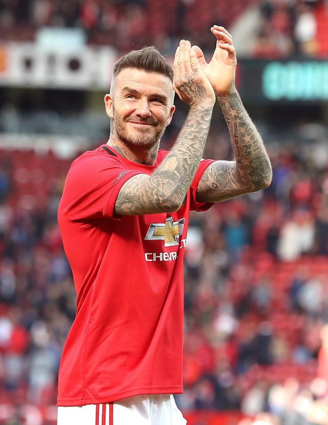 Ngất ngây trước những hình ảnh đẹp long lanh của Beckham trong ngày mặc lại bộ áo đấu MU, tái hiện ký ức thanh xuân tươi đẹp của hàng chục triệu người hâm mộ - Ảnh 11.