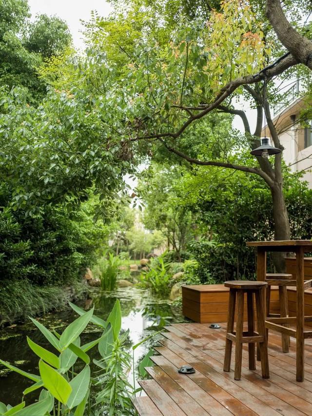 Mong muốn con sống một đời bình an, người mẹ trẻ rời thành phố về ngoại ô xây nhà vườn rộng 1000m² với bể bơi và cây xanh đẹp như mơ  - Ảnh 37.