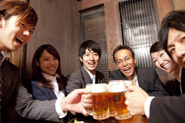Dân văn phòng Nhật coi đi nhậu là câu chuyện văn hóa, có một số quy tắc ma mới phải thuộc nằm lòng - Ảnh 4.